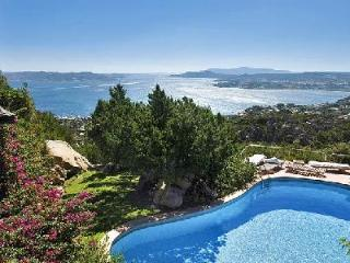 Luna - Small piece of paradise with pool & sea view in the distance - Cannigione vacation rentals