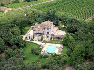 Wonderful Provencal Home La Colline overlooking the countryside with fenced pool & terraces - Robion vacation rentals