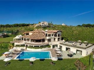 El Cano with indoor- outdoor pools- jacuzzi, sauna & gym, near spa- golf - Costa del Sol vacation rentals