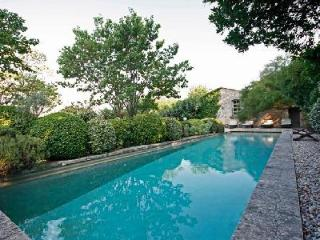 Authentic Provencal Noble House La Bastide des Chenes with Pool - Great for Families! - Luberon vacation rentals