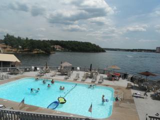 *Condo Getaway - Your Lake Ozark Vacation retreat - Lake Ozark vacation rentals