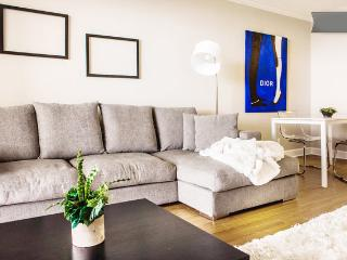 House of Blues: Designer Apartment 2818 - Houston vacation rentals