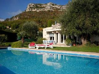 Luxurious Villa Mas 1 has impressive ocean views, infinity pool and fireplace - Alpes Maritimes vacation rentals