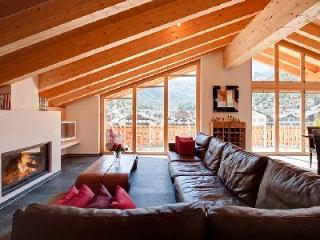 Modern luxury penthouse Zeus with Alpine feel & mountain views only 5 min to ski lifts - Valais vacation rentals