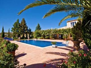 Villa Jasmin - Elegant villa close to Loule with rooftop terrace and separate cottage - Algarve vacation rentals