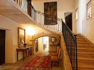 18th-Century Caromb Village Estate - A Family-Friendly Home with Luxurious Amenities & Pool - Carpentras vacation rentals