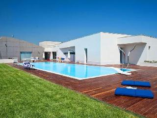 Villa Floridia - Eco-friendly luxury villa in Siracusa Area offers pool, fitness room & home theater - Sicily vacation rentals