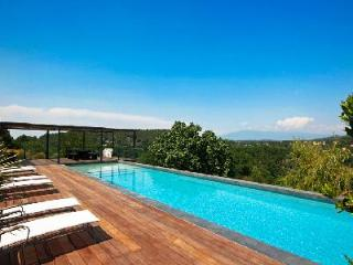 Warm & Welcoming Family Country House La Dame du Ventoux with Private Pool & Superb Views - Vaucluse vacation rentals