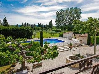 Great for Large Groups! Luxurious Traditional Farmhouse Set in Extensive Gardens with Pool & Spa - Eygalieres vacation rentals