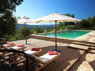 Peaceful Family-Friendly Countryside Home Maison Rouge with Pool & Gorgeous Views - Apt vacation rentals