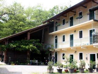 Cascina Cesarina farm dinner B&B  Lake Maggiore - Borgo Ticino vacation rentals