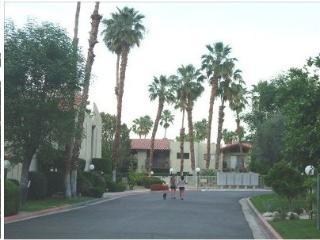 Palm Springs Estados South Ground Floor Condo - Palm Springs vacation rentals