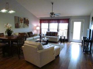 Heavenly Hideaway- 2 Bedroom, 2.5 Bath, Stonebridge Resort Condo - Missouri vacation rentals