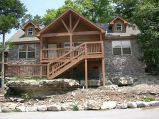 Dragan's Den- 2 Bedroom, 2 Bath Pet Friendly Lodge features a Wii! - Branson West vacation rentals