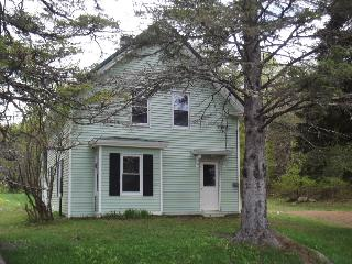 3 bedroom House with A/C in Monson - Monson vacation rentals