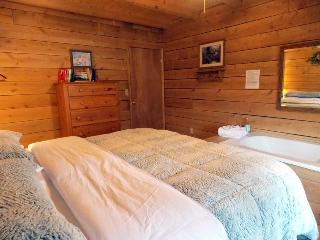 Whippoowill Hideaway/ secluded cabin/ fishing - Monterey vacation rentals