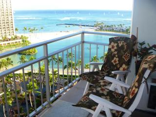 Beachfront Condo with ocean views from every room! - Kahala vacation rentals