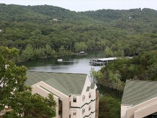 Branson Condo Rental | Eagles Nest | Indian Point | Silver Dollar City | Top Level (2710606) - Branson vacation rentals