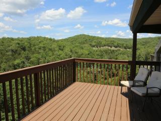 Branson Condo Rental | Eagles Nest | Indian Point | Silver Dollar City | Lake Views (0610606) - Branson vacation rentals