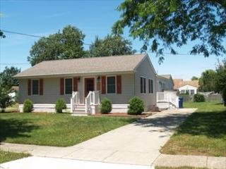 RENOVATED BEACH COTTAGE 107792 - Cape May vacation rentals