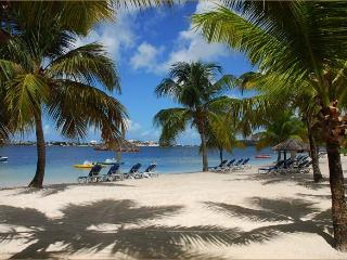 LAGOON SIDE - BAIE NETTLE - Sint Maarten vacation rentals