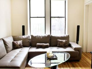 OMG!! THIS IS IT!! STUNNING TWO BED IN HELL'S KITCHEN - New York City vacation rentals
