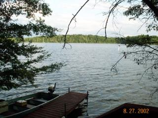 Lakeside home for year round fun. - Hayward vacation rentals