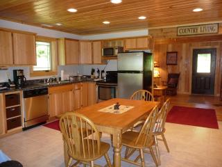 Comfortable Cabin with A/C and Television - Tuscumbia vacation rentals