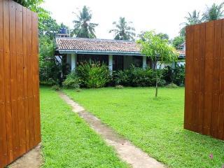 Villa Blue Coral Hikkaduwa - Hikkaduwa vacation rentals