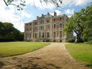 Palais italien dominant la vallée de la Loire - Varades vacation rentals