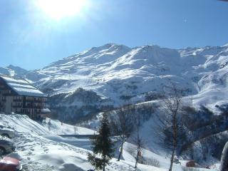 Great family apartment side of the ski slopes - Les Menuires vacation rentals