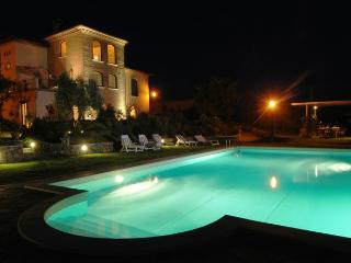 Luxury Tuscan Villa in Montepulciano - HEATED POOL / FREE WI-FI - Montepulciano vacation rentals