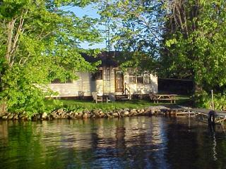 LAKE ESCAPE ,Upper Rideau Lake,Westport Ontario - Rideau Lakes vacation rentals