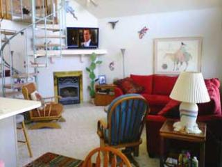 Cozy Chalet in Boyne City with Deck, sleeps 6 - Boyne City vacation rentals