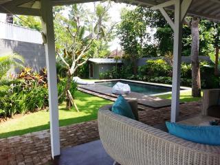Nice and quiet Villa BALINESE 4pax - Canggu vacation rentals