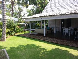 Nice and quiet Villa BALINESE Limasan 4pax - Canggu vacation rentals