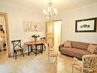 Parisian Charm~Spectacular Marais~2 Bedroom Apt! - Paris vacation rentals