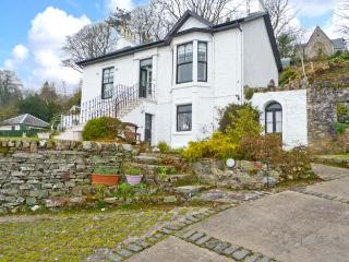 CLYDE COTTAGE, all ground floor, off road parking, decked garden, in Dunoon, Ref 22215 - Dunoon vacation rentals