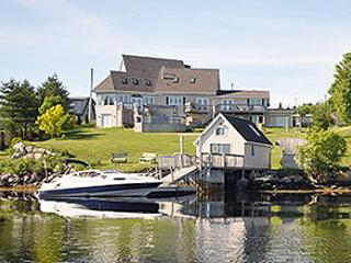#18 Captains Watch Oceanfront Retreat, McGraths Cove NS - Hubbards vacation rentals