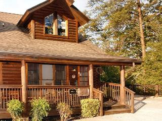 Lucky Logs 283 luxury log townhouse in Pigeon Forge close to Dollywood - Pigeon Forge vacation rentals