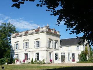 Les Longchamps Suite Divine Proportion 4 people - Pre-en-Pail vacation rentals