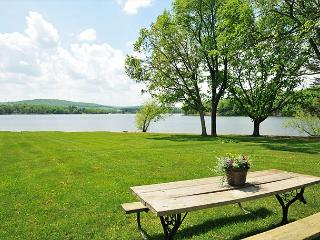 Marvelous 3 Bedroom Cottage offers stunning lakefront & private dock! - Oakland vacation rentals