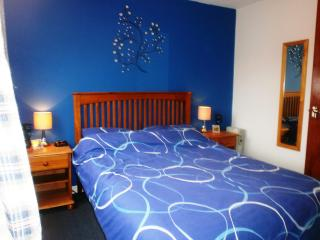 Cosy 2 bedroom s/c holiday home, nearby beach - Pembroke vacation rentals