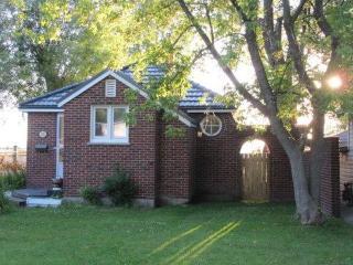 Cook's Bay Getaway - Cozy Cottage On Lake Simcoe - Shanty Bay vacation rentals