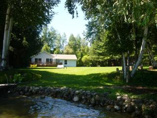 Lovely 2 bedroom House in Cedar - Cedar vacation rentals