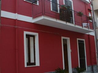 From € 30,00 to € 40,00 each person at day - Falcone vacation rentals
