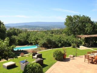 Lou Souleio, Wonderful 5 Bedroom Villa with Pool, Luberon - Saint-Martin-de-Castillon vacation rentals