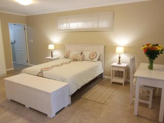 2 bedroom Cottage with Internet Access in Tokai - Tokai vacation rentals