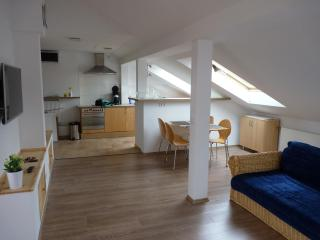 Comfortable Cabin with Internet Access and A/C - Berlin vacation rentals