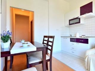 Nice apartment in Stobrec - Stobrec vacation rentals